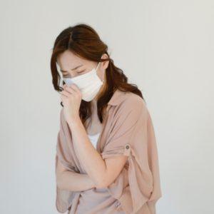 マスクで肌荒れ!?原因と対処法