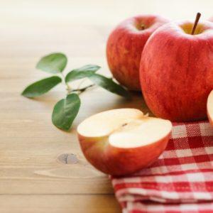 美味しいだけじゃない、りんごの美容効果を詳しく解説